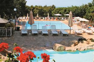 Parco delle piscine caravan holidays sarteano tuscany for Camping parco delle piscine sarteano