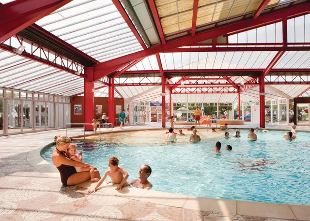 Seashore holiday park great yarmouth norfolk - Campsites in norfolk with swimming pool ...